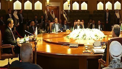 وفد القوى الوطنية بمفاوضات الكويت يسلم رؤيته لمسار الحلول السياسية والأمنية