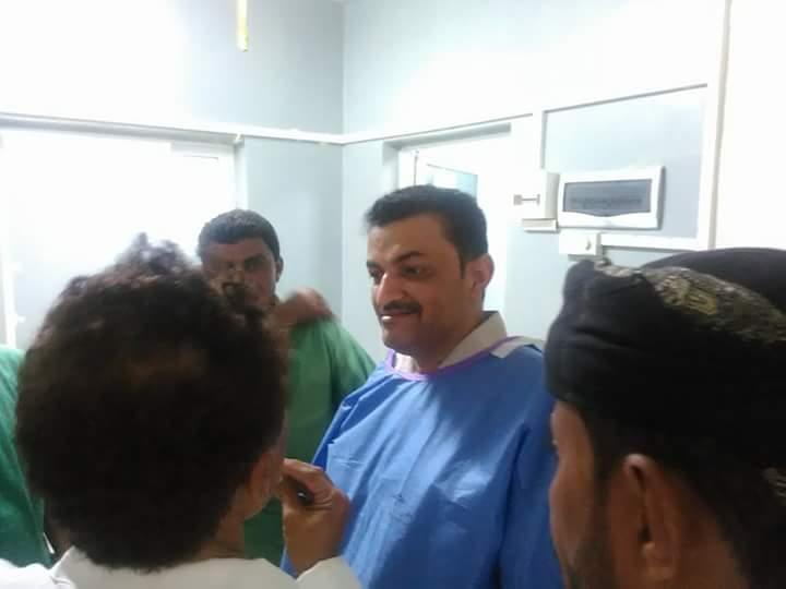 وكيل محافظة حجة المساعد نبيل الجرب يزور مستشفى عبس ويتفقد غرف العمليات والعناية المركزة